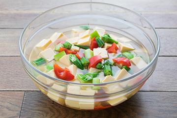自家製卵豆腐〈納涼仕立て〉夏野菜添え
