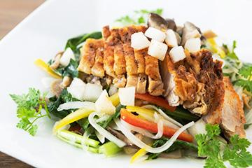 彩の国〈秋〉野菜とチキンのサラダグルマンド